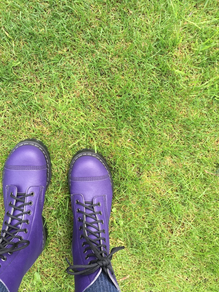 Vegetarian boots in purple